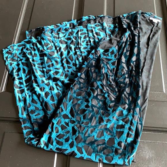 LuLaRoe Elegant Joy Cut Velvet Size XS